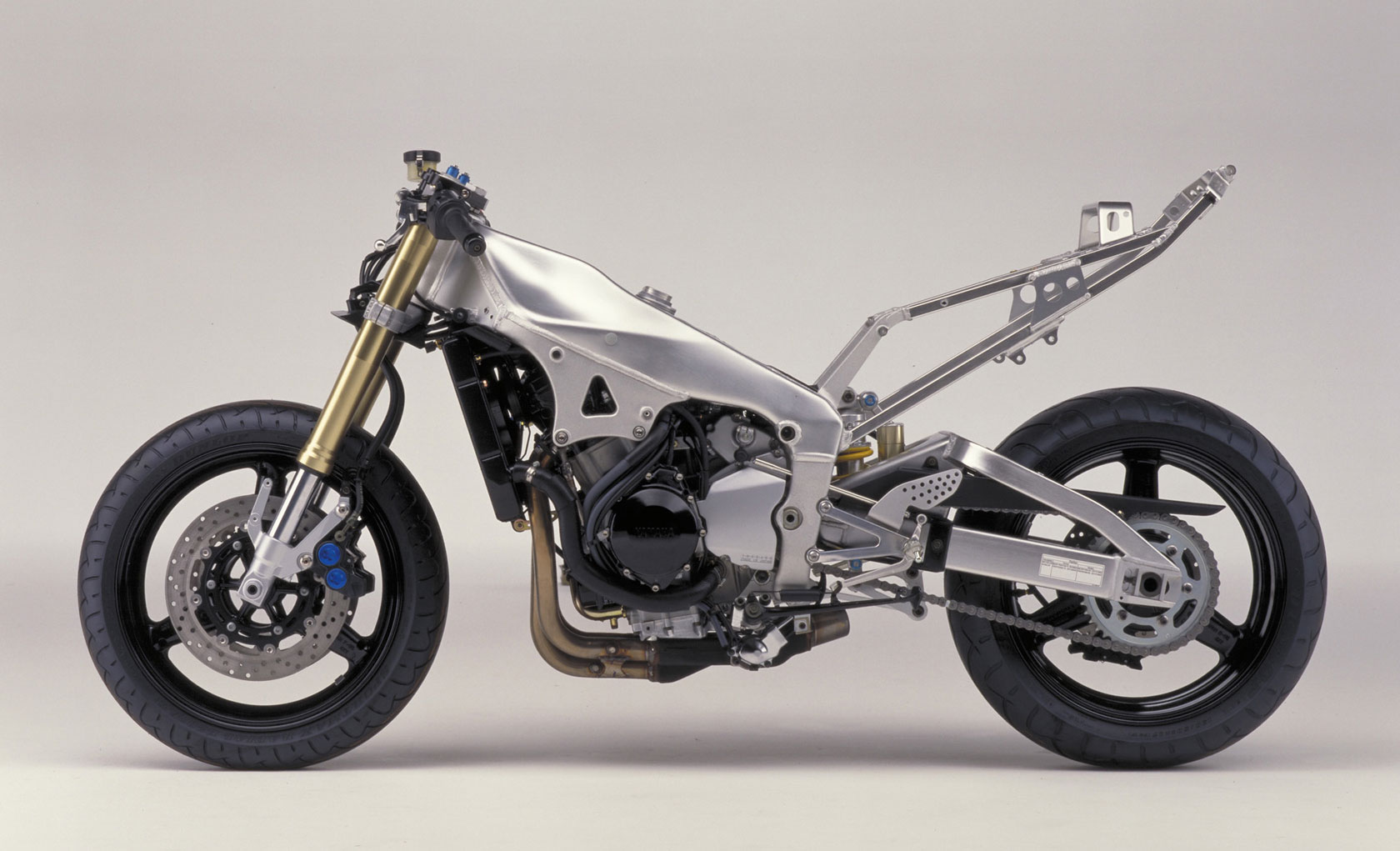 The fantasy build what i d do if i could yamaha r1 for 01 yamaha r1