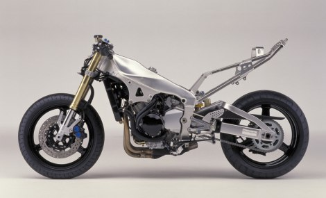 2001-Yamaha-R1-YZFR1e